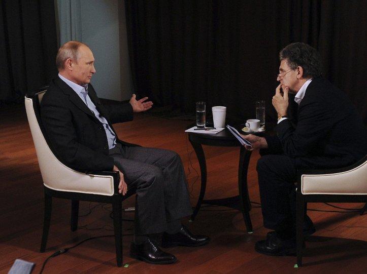 vladmir_putin_y_hubert_seipel_durante_una_entrevista_en_2014